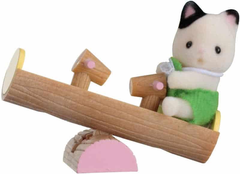 Bebé gato con balancín Sylvanian