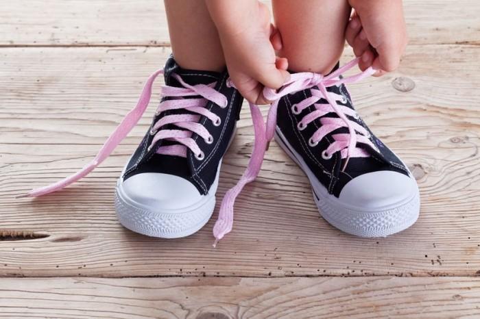 Juguetes para aprender a atarse los zapatos