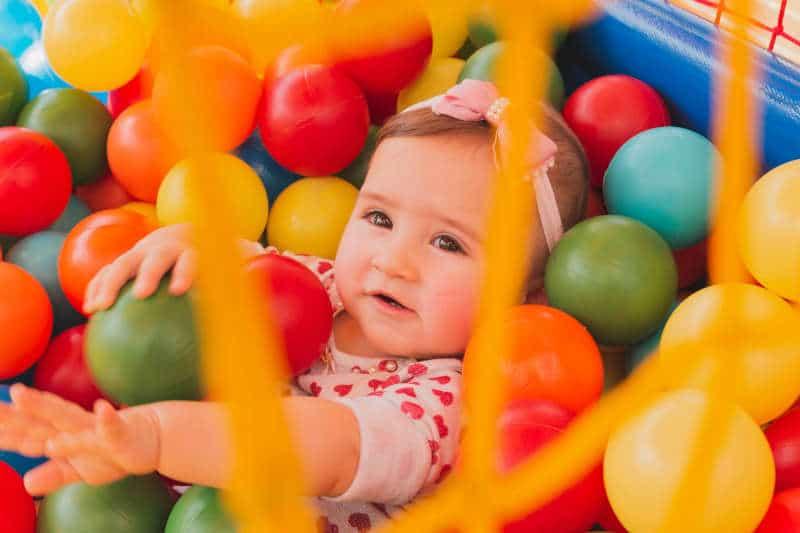 Bebé de seis meses aprendiendo a hablar