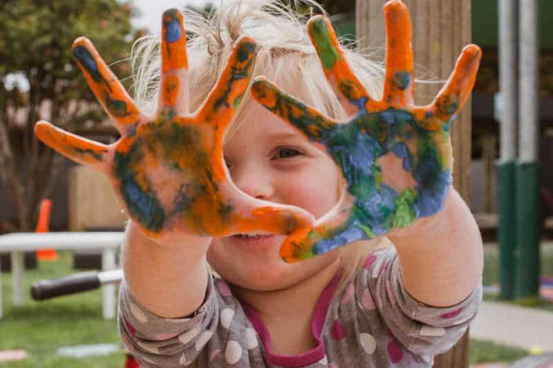 Pintura es un buen recurso para estimular su creatividad